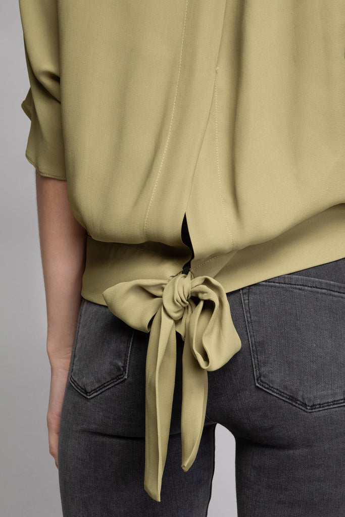 JOPPIE BACK TIE DOLMAN BLOUSE