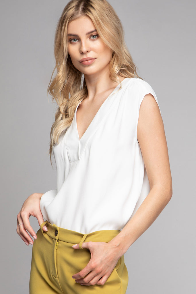 LANA V-NECK BLOUSE