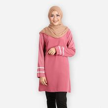 Load image into Gallery viewer, Tasmia Curvy Long Blouse (rose) - HannahSG