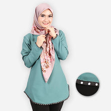 Load image into Gallery viewer, Damia Polka Blouse (emerald green)