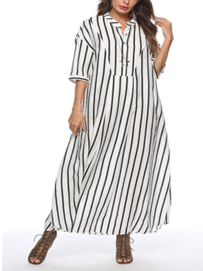 White seven-sleeve with loose stripes and large vertical collar Dress