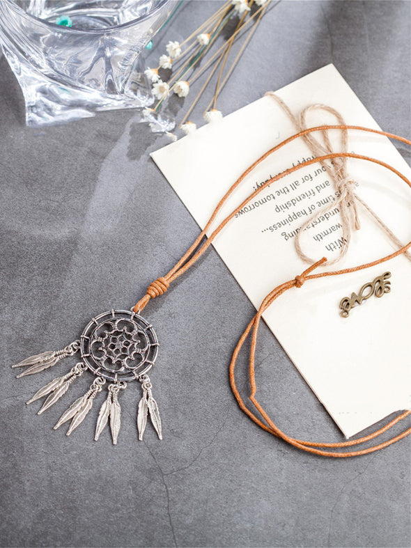 White Alloy Vintage Fringed Women Necklace