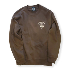 BRONZE AGE / LOGO CREW SWEAT (BROWN)