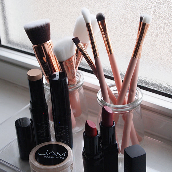 The Basics of Makeup Brushes