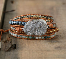 Load image into Gallery viewer, Gilded Druzy Charm Leather Wrap