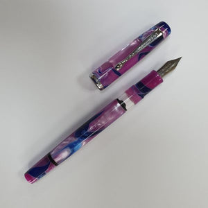 Noodler's Marbled Acrylic Fountain Pen - Tinian Treasure