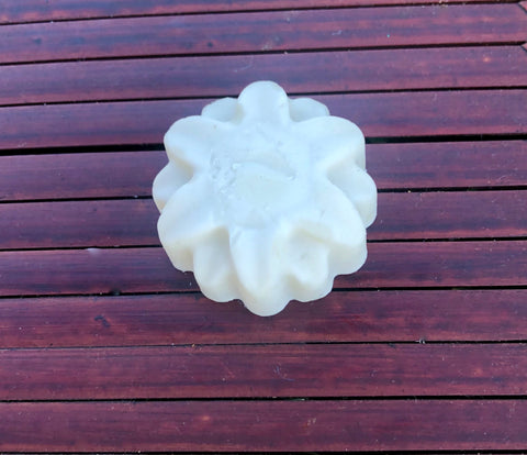 Star Flower-shaped Shea Butter Aromatic Massage Candle