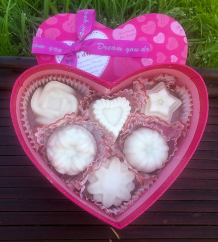 Shea Butter Aromatic Massage 6 Candle Heart Box Set