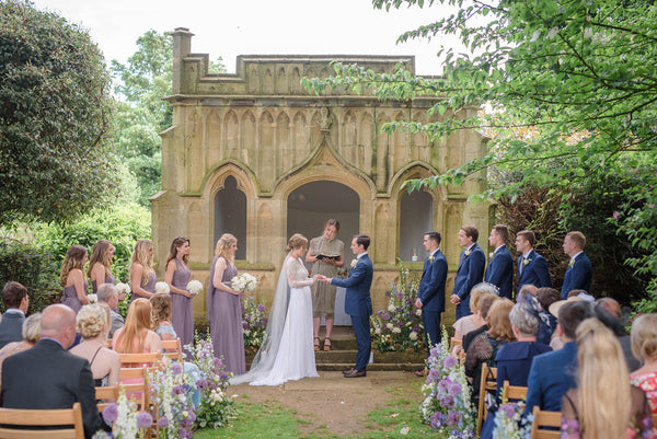 "An Anne Barge Bride Says ""I Do"" With An English Countryside Wedding in the Cotswolds"