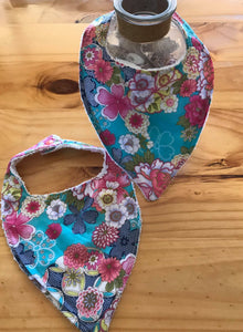 2/ girl Bib - Beautiful Aqua with floral print