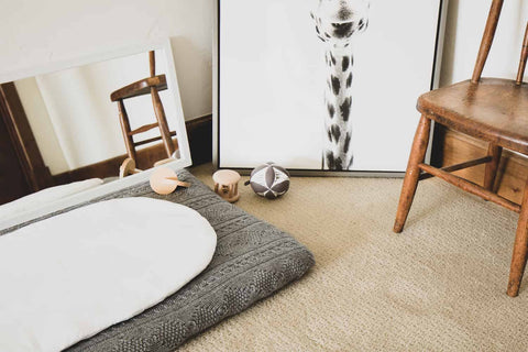 montessori baby room with mirror and topponcino