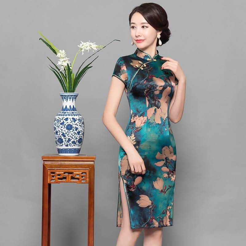 traditional chinese female dress