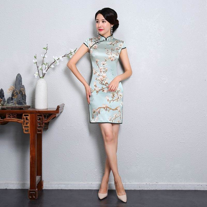 traditional chinese women's dress