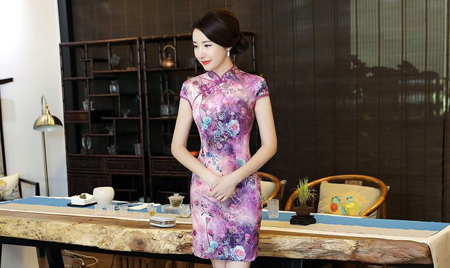 Female Dress With Distinctive Chinese Features - Cheongsam