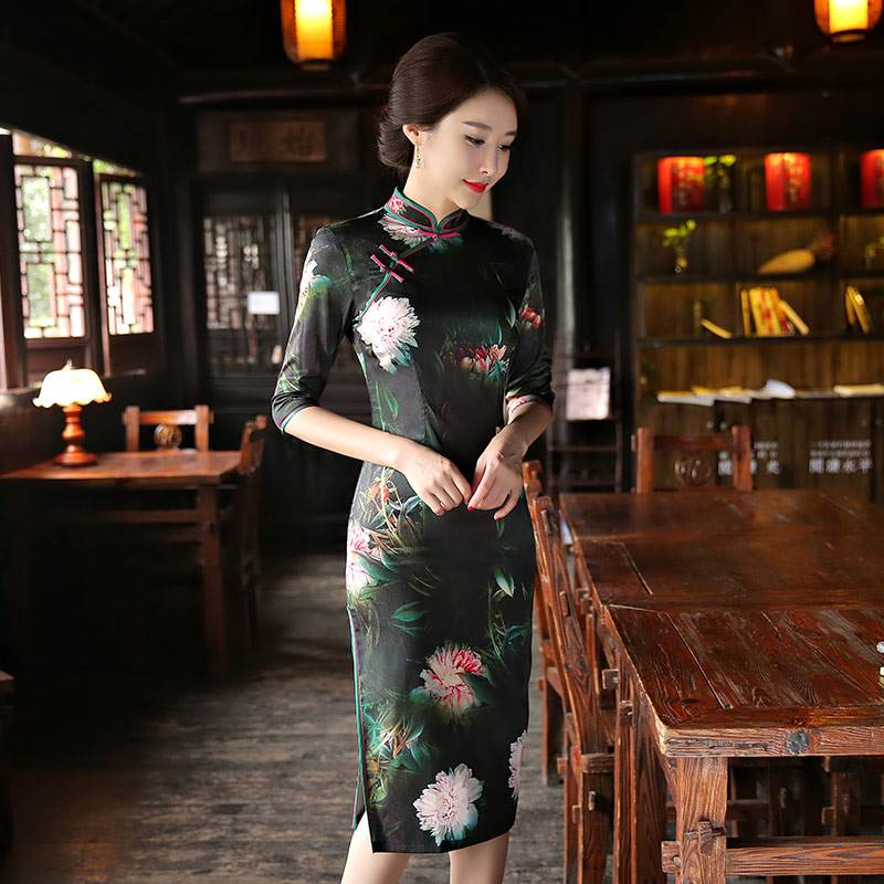 black short fashionable cheongsam