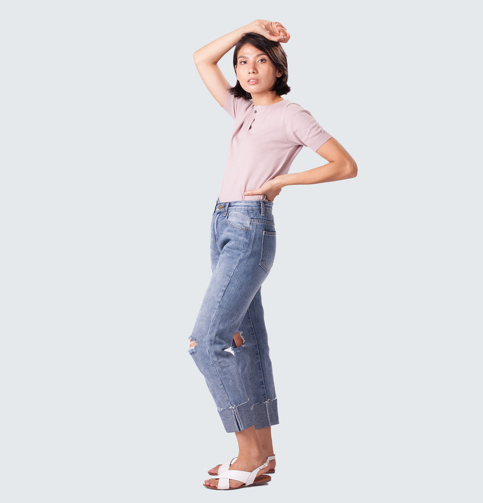 Distressed Folded Up Jeans - Mantou Clothing