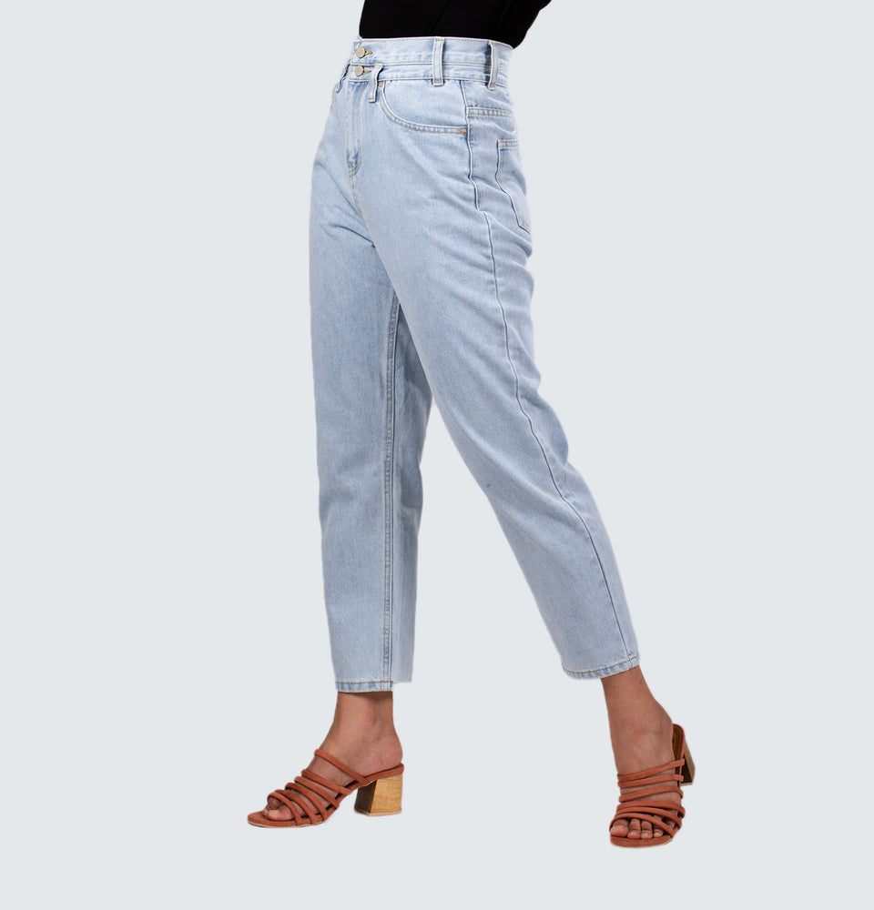 Double Button Mom Jeans