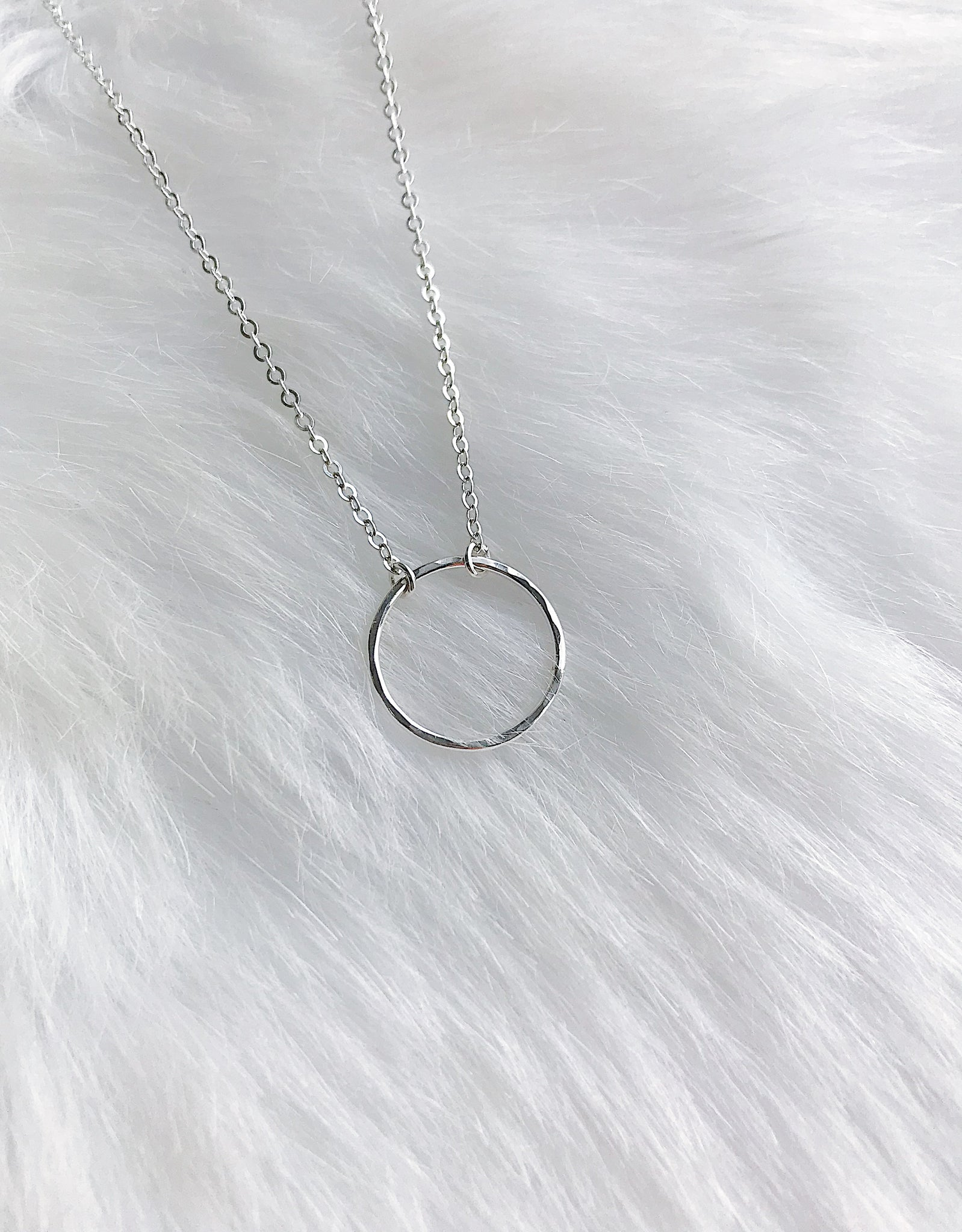 Circle Necklace - Silver