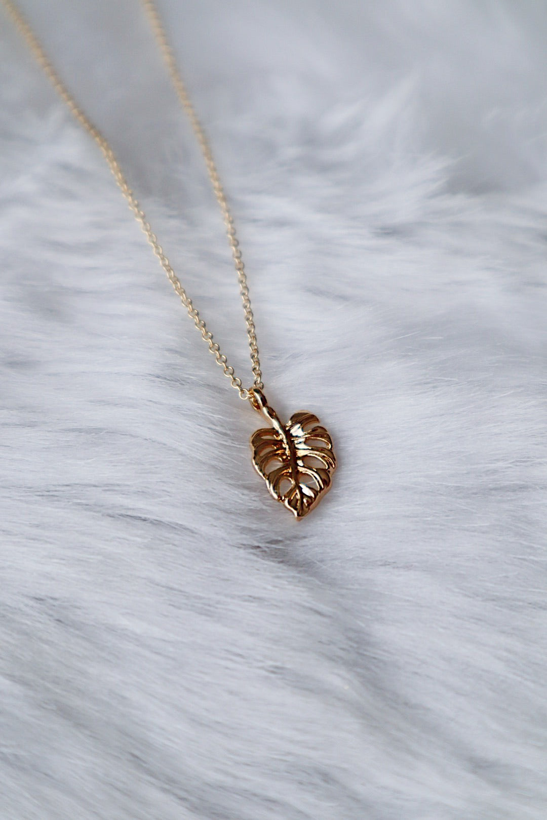Monstera Leaf Necklace - Gold