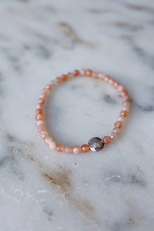 Peach Moonstone and Hammered Coin Stretch Bracelet - Silver