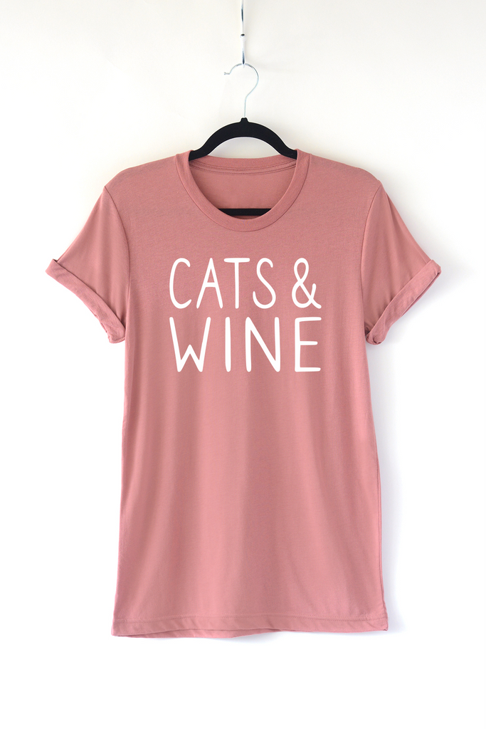 Lucky Franklin Cats and Wine Adult Crewneck Tee in Mauve