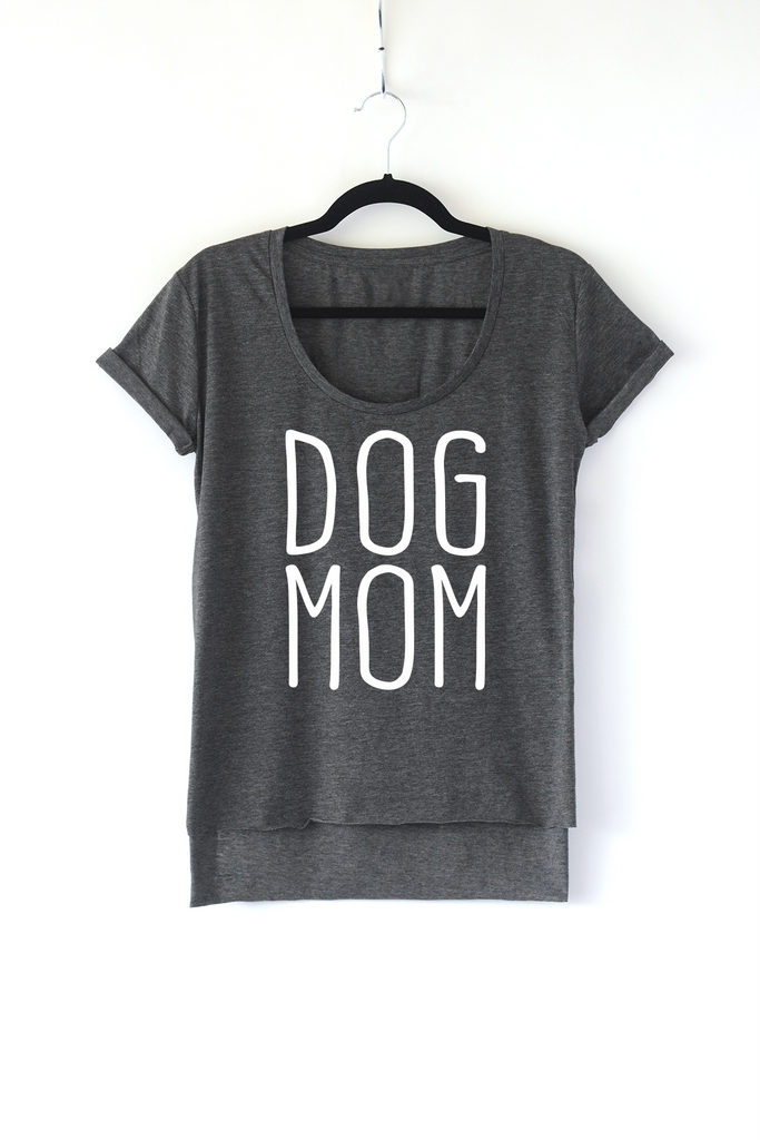 Lucky Franklin Dog Mom Ladies Scoop Neck Tee in Dark Grey