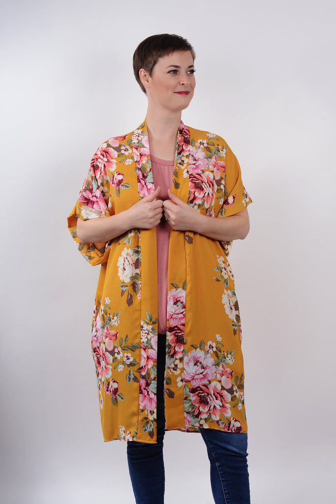 model wearing size S Lucky Franklin Floral Print Kimono