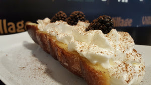 Whipped Cream with Blackberrys SIGNATURE Chimney Cake