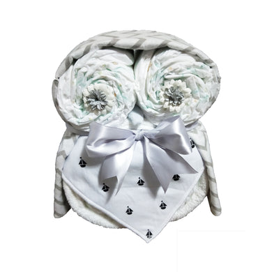Owl nappy cake (White with boats) - Nappie Cakes