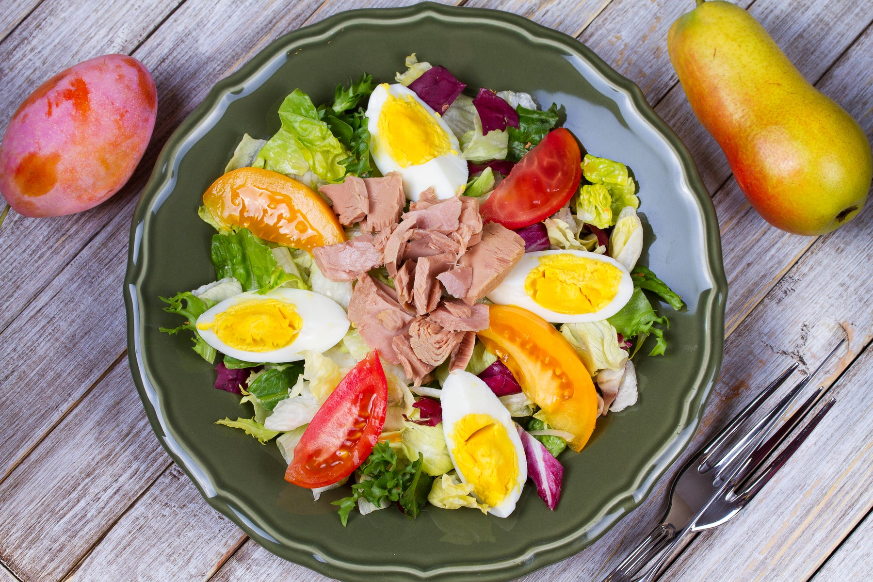 Keto Salad with Tuna and Eggs
