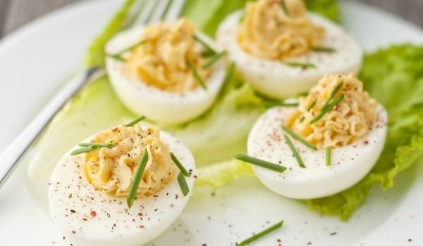 Keto Spicy Deviled Eggs