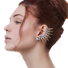 EAR CUFF WITH SPIKES