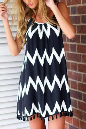 Black & White Wavy Stripes Vacation Dress