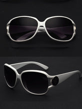 Plain Stylish Vintage Badge Sunglasses