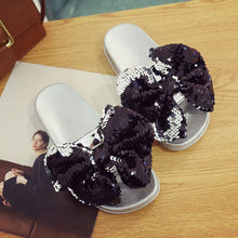 Women Sequined Fow Flat Fashion Sandals