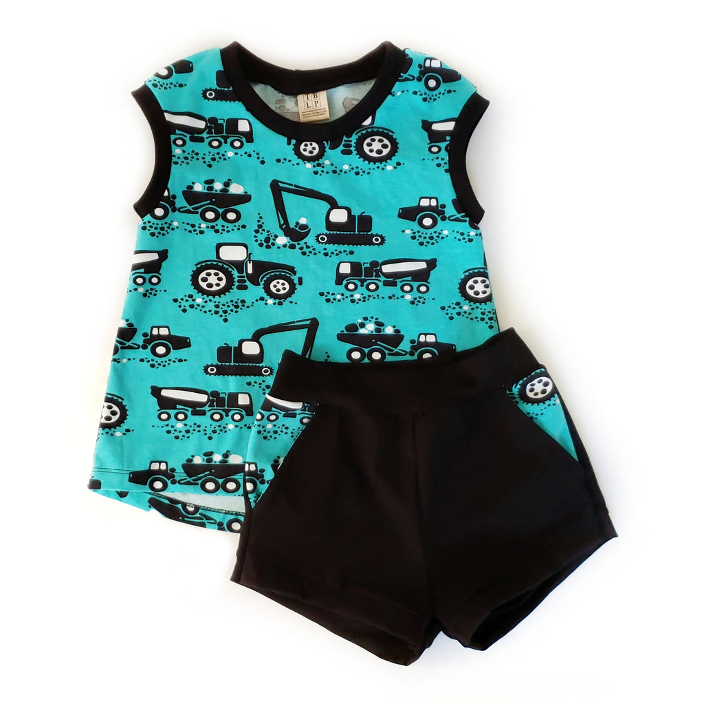 Sleeveless Tee and Shorts - Size 3/4T