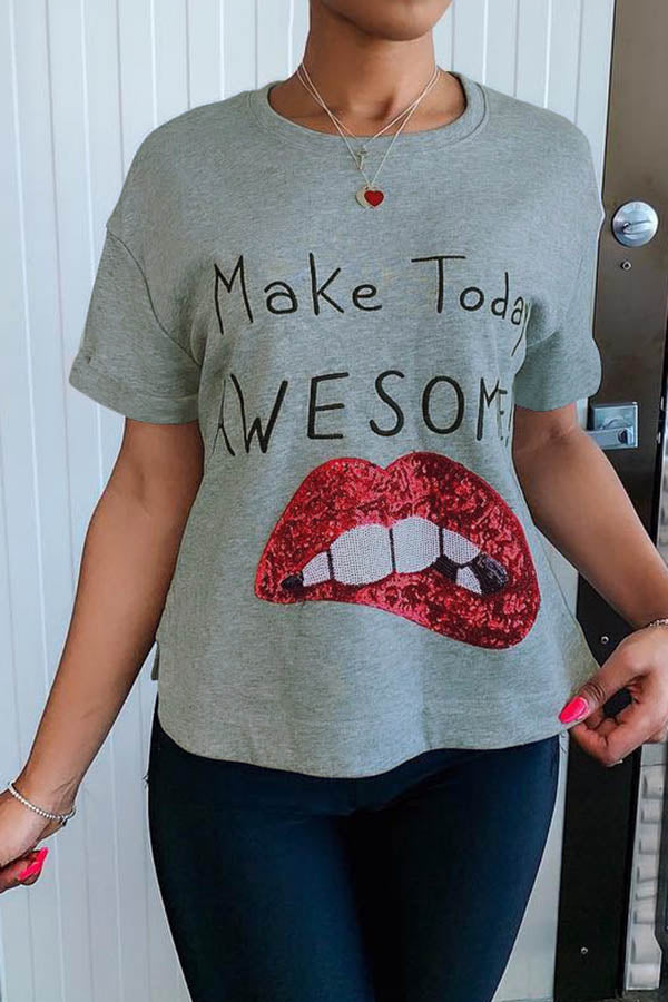 Awesome Day Lips Tee