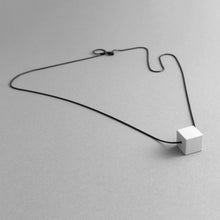 Load image into Gallery viewer, Detail of Grey MODULOUNO necklace