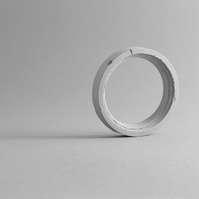 COLOSSEUM BANGLE – GREY