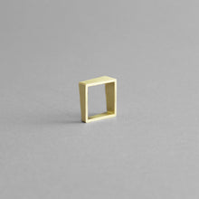 Load image into Gallery viewer, Detail of the Brass Square Ring