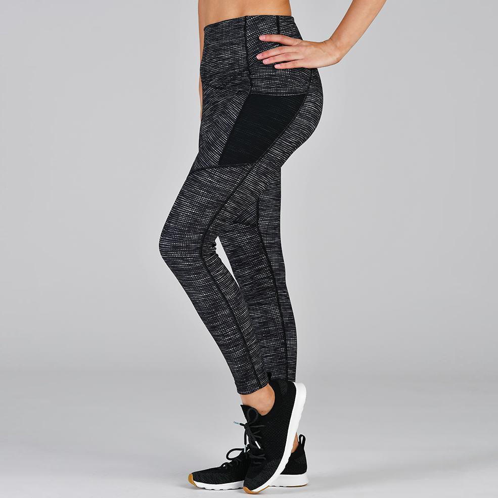 Social Legging: Illusionary Black