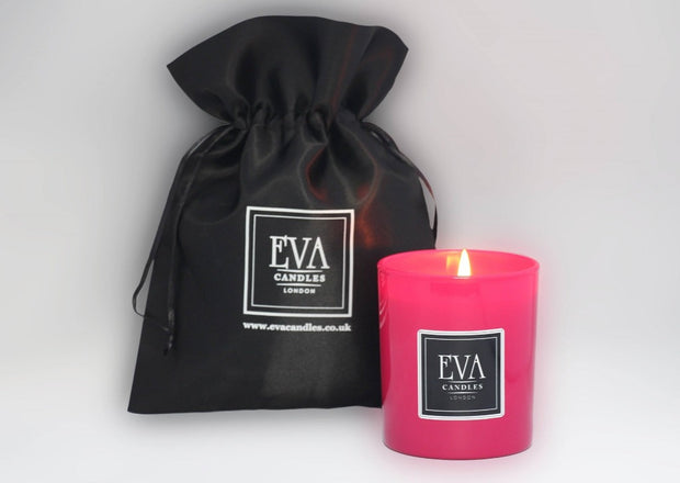Luxury scented UK soy wax candle, Family friendly, paraffin free, hand poured candle, natural and uplifting, eco friendly and non toxic, vegan, Pink luxury candle glass scented in London, premium product, hand poured, non toxic, fragranced with spirit oil, gift for woman, present for girl, beautiful home décor, made in London
