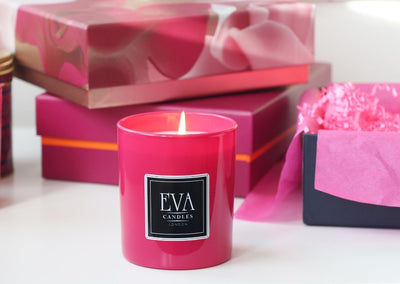 Luxury scented UK soy candle, Family friendly, paraffin free, hand poured candle, natural and uplifting, eco friendly and non toxic, vegan, Pink luxury candle glass scented in London, premium product, hand poured, non toxic, fragranced with spirit oil, gift for woman, present for girl, beautiful home décor, made in London