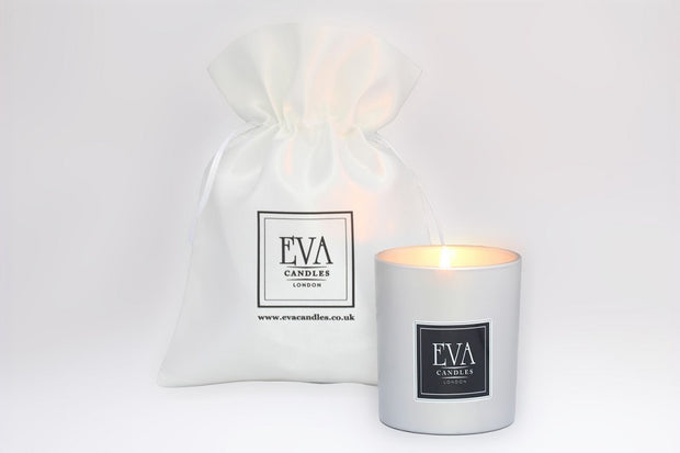 Luxury candle, scented UK candle, paraffin free, made in London, UK, Holiday memory, delicate and uplifting, non toxic candle, natural scented candle, fragrance oil, paraffin-free, vegans friendly, aromatherapy, summer candle, perfect as a gift or present or any ocassion