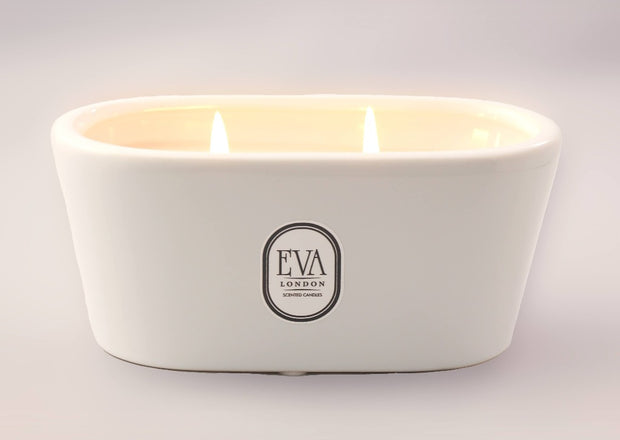 Luxury gift from London, bathtub style scented candle made in UK, luxury home decor, non toxic scented with fragrance oil, long and clean burn, suitable for vegans, Eco friendly, glamorous gift for her. for any occasion, perfect present from London UK, luxury home treat, hand-poured product,