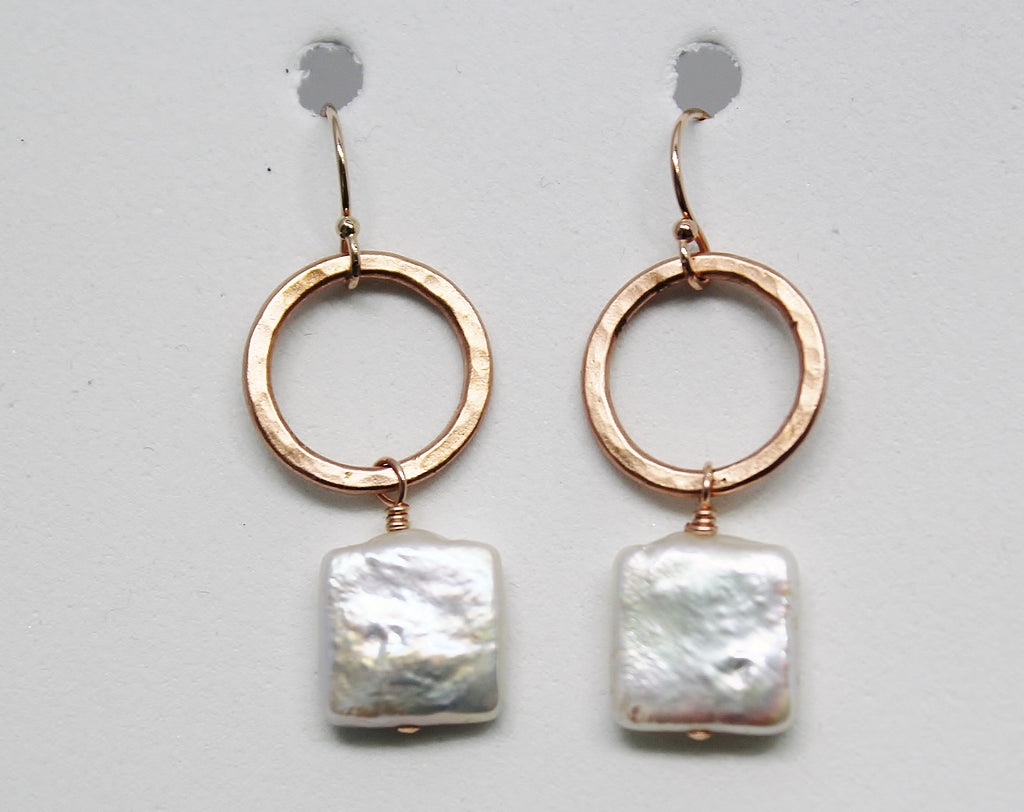 ROSE GOLD RING with SQUARE WHITE PEARL EARRINGS