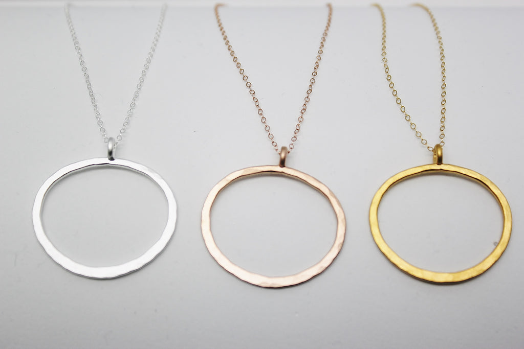 MEDIUM OVAL PENDANT NECKLACES