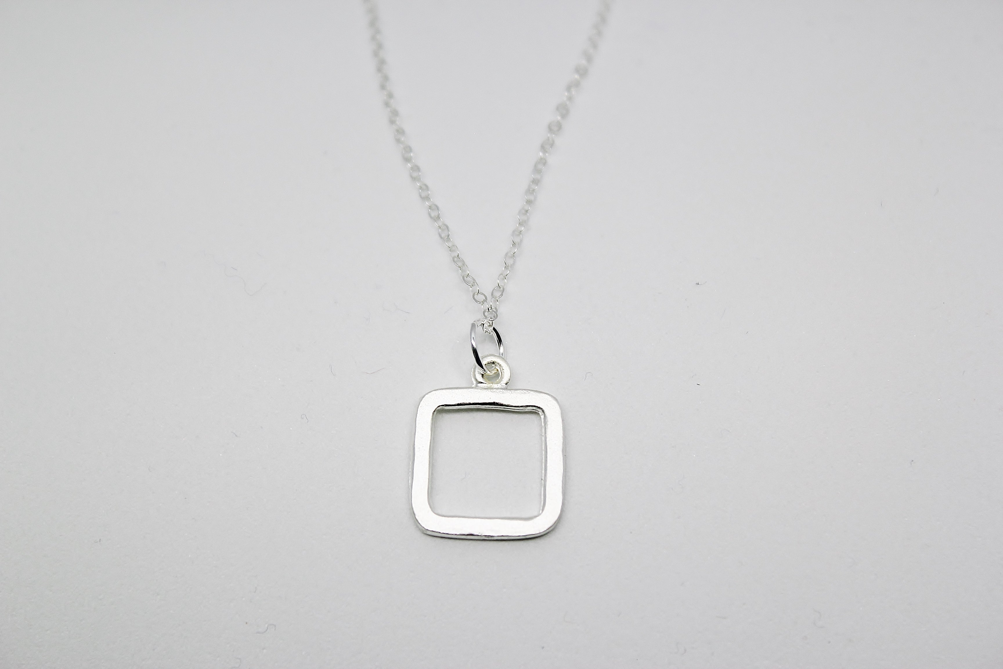 SILVER SMALL SQUARE PENDANT