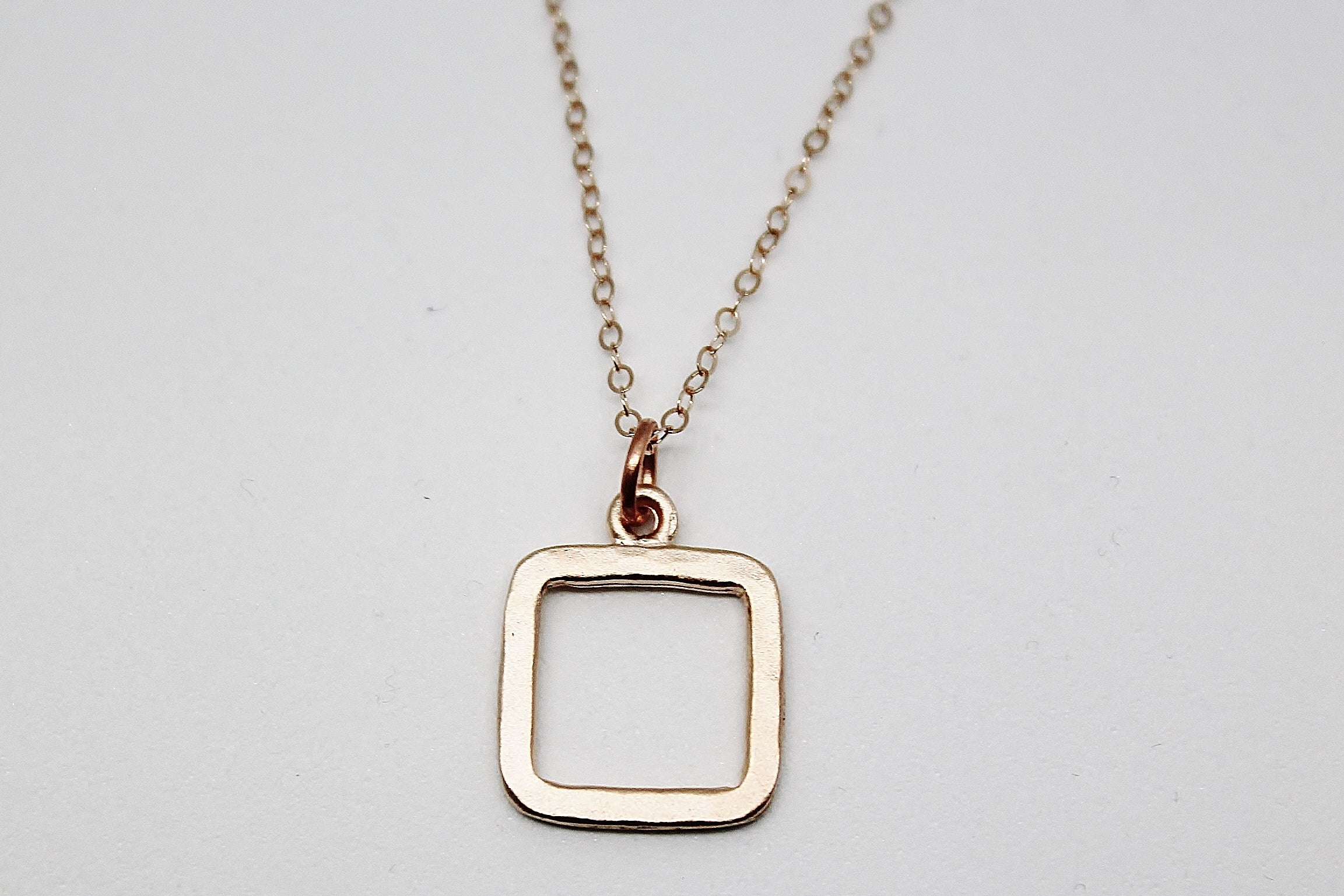 ROSE GOLD SMALL SQUARE PENDANT