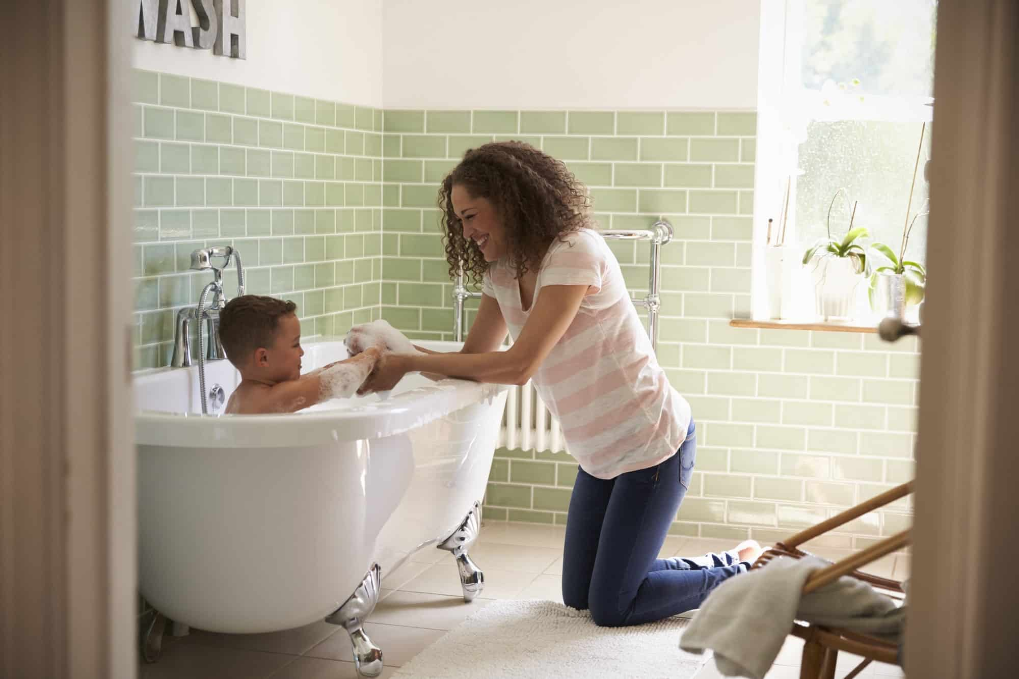 Bathing Your Baby : 5 Best Tips